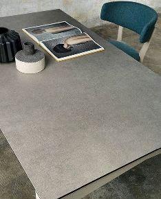 Письменный стол и керамика Ламинам
